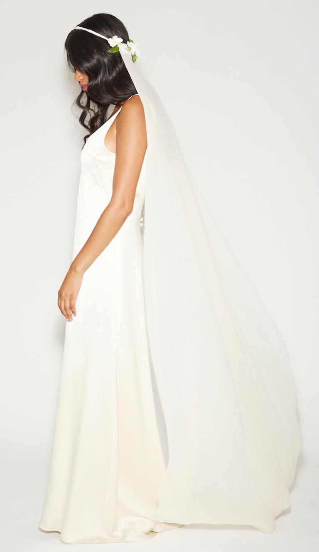 16 New Wedding Veil Styles You\'ll Love   Veil, Wedding and Stone fox ...