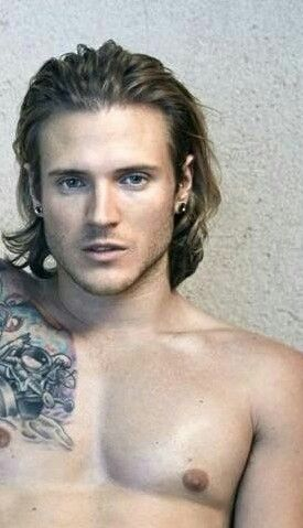 Dougie poynter bisexual something