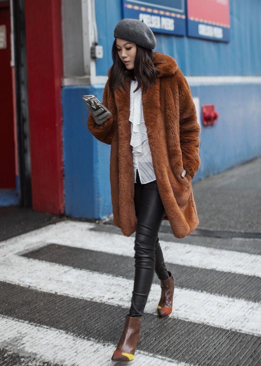 20 looks de street style que confirman que un abrigo teddy es todo ...