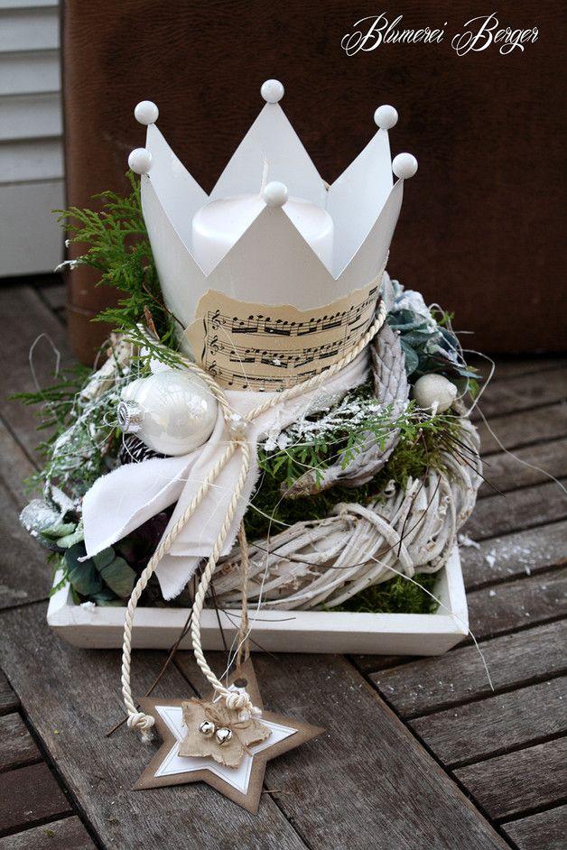 Weihnachtsdeko adventsgesteck kr nchen ein designerst ck von blumereiberger - Weihnachtsdeko pinterest ...