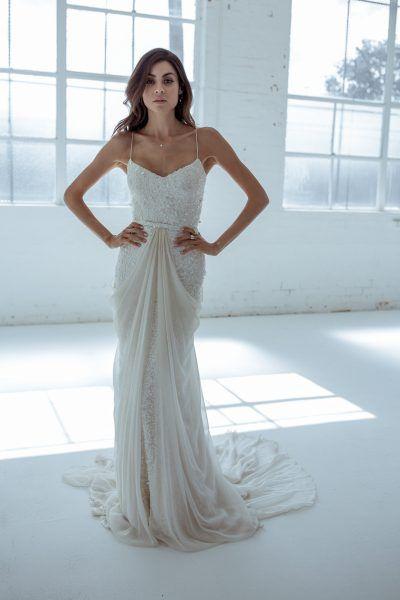 karen-willis-holmes-trendy-sheath-wedding-dress-33313636 | One day I ...