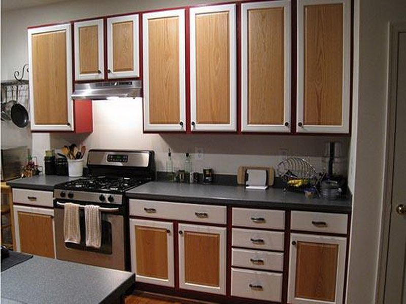 32 Beautiful Two Colors Kitchen Cabinets Paint Ideas