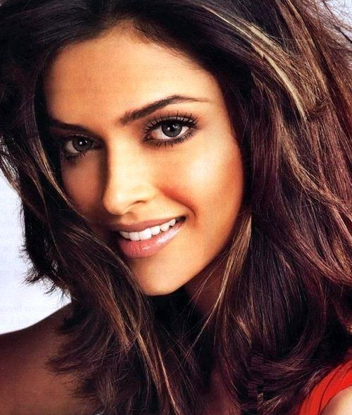 Deepika Padukone Teeth Why don't you smile? Coupe de