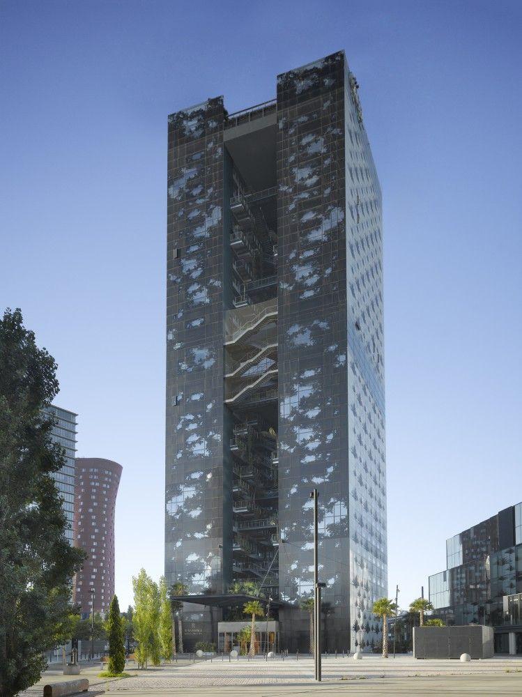 Renaissance Barcelona Fira Hotel, Barcelona / Ateliers Jean Nouvel. Image © Roland Halbe