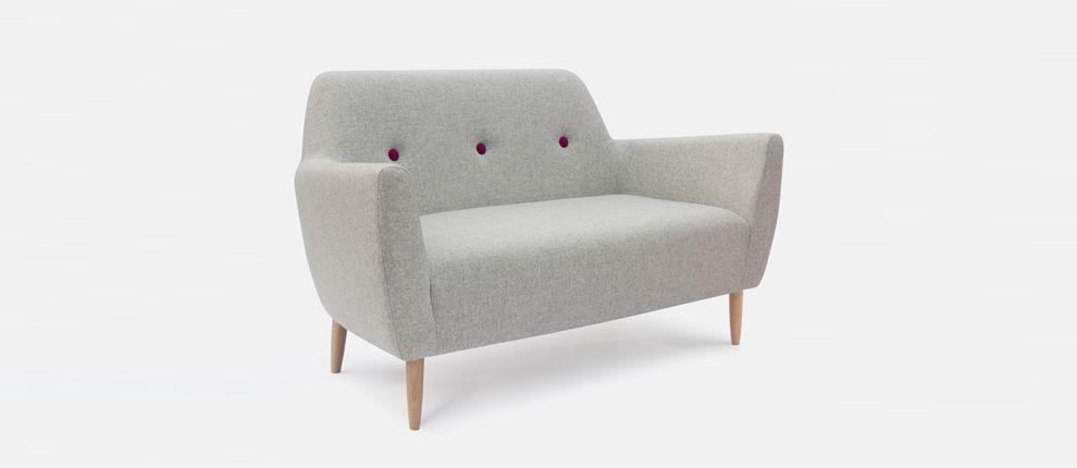 choosing throw pillows for sofa