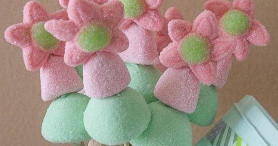 Crea llamativas brochetas de dulces para obsequiar Obsequio