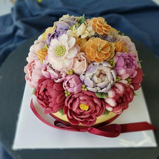 아버님 생신때 주문한 떡케이크~~!! 맛도 있고 이쁘기도 하고♡♡ 굿굿♡♡ #환갑케이크 #앙금플라워 #쫄깃앙금플라워