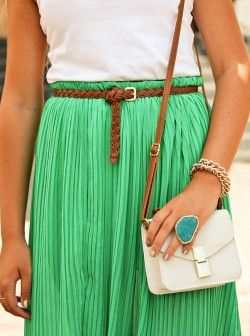 green accordian skirt. Have one just like it from American apparel. LOVE
