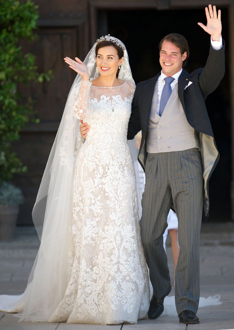 Prince Felix Of Luxembourg Marries Elie Saab Clad Claire Lademacher Gorgeous Royal Wedding Gowns Wedding Gowns Mermaid Lace Wedding Gown Inspiration [ 1129 x 800 Pixel ]