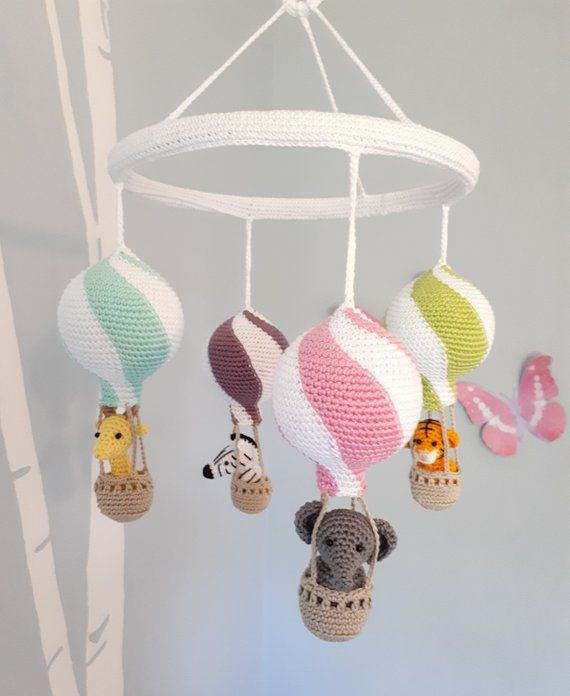 Hot air balloon baby mobile crochet pattern, nursery mobile tutorial, diy hot air balloon mobile