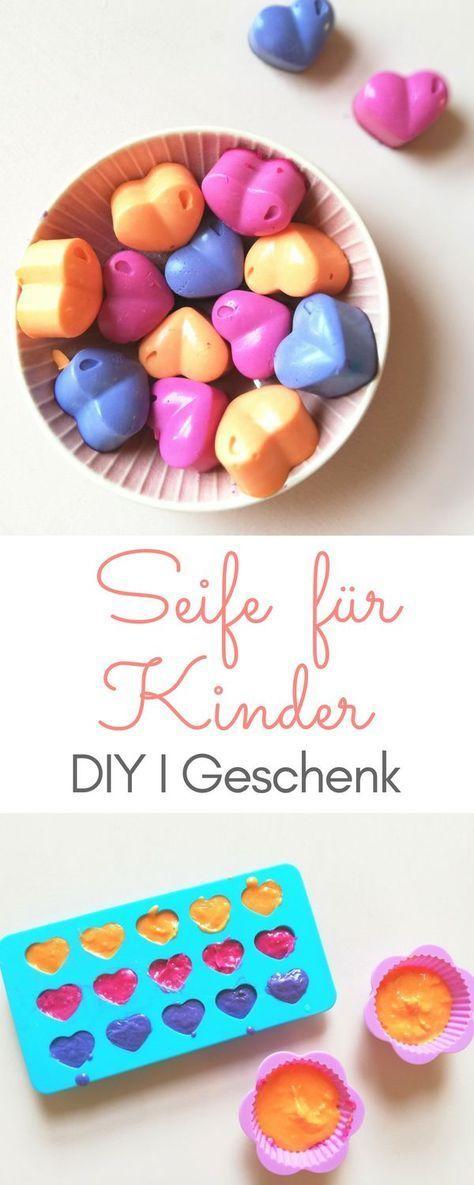 Seife für Kinder selber machen - DIY mit Lebensmittelfarben und Kokosöl
