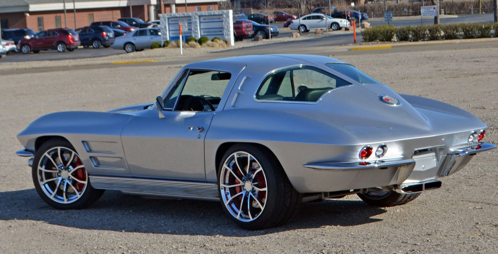 Silver Clean CorVette | Chevrolet corvette classic cars