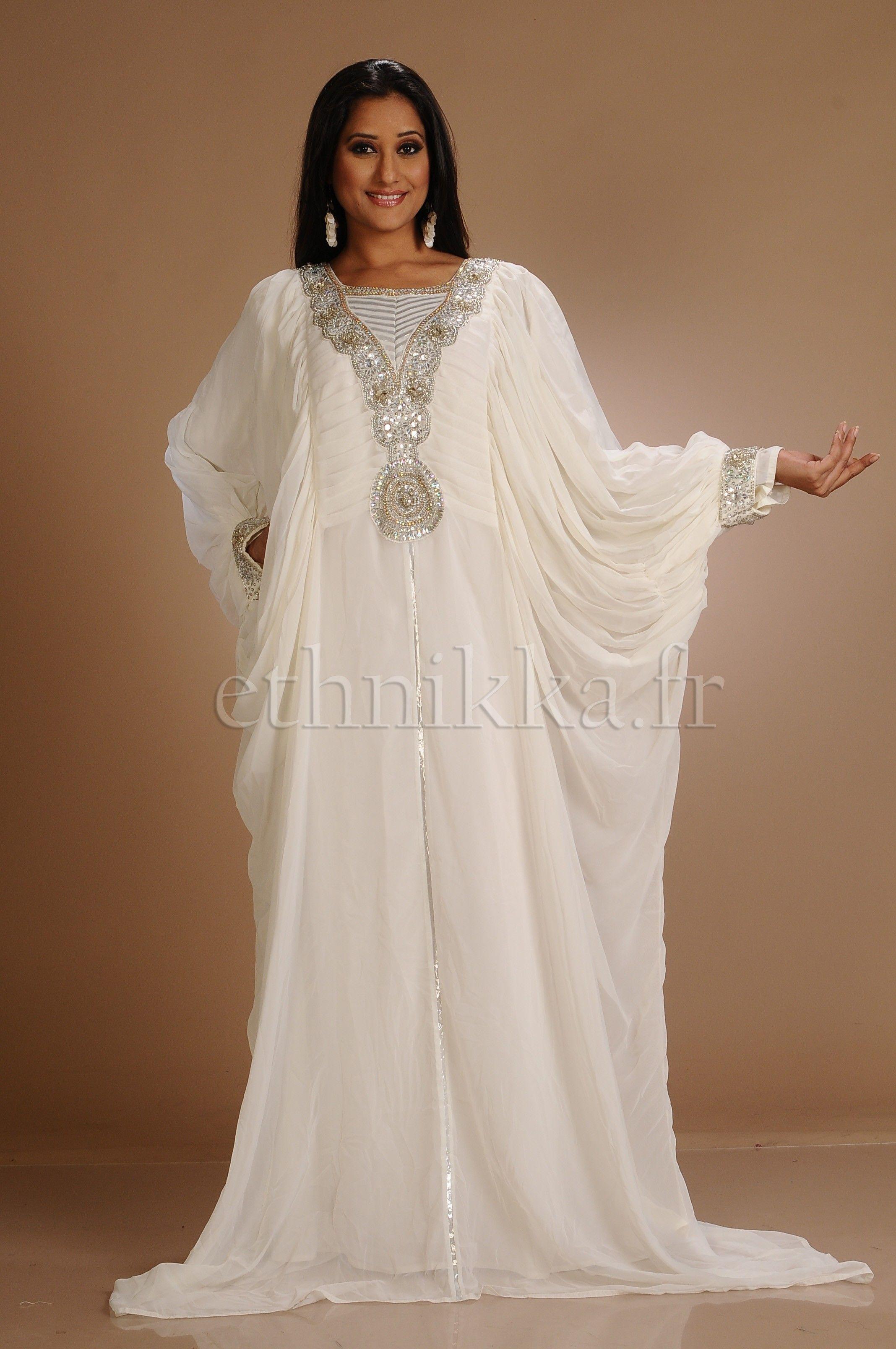 Robe de mariee blanche orientale