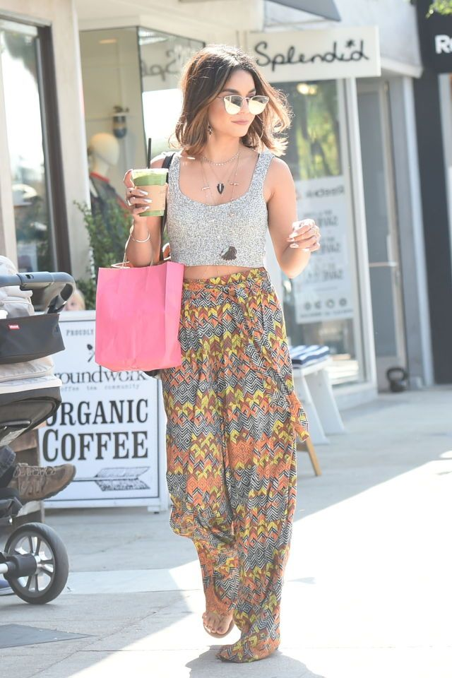 Love the idea of the high waist skirt with a shorter top. #vanessa_hudgens_summer