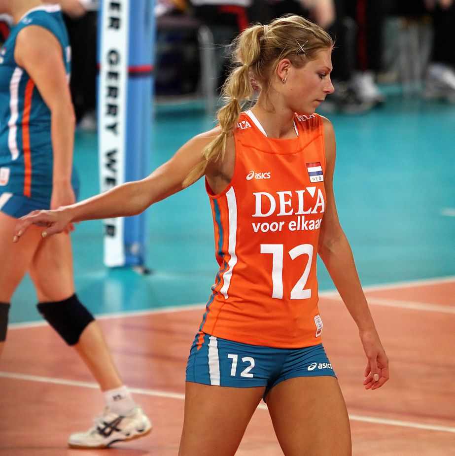 Manon Flier Opposite Netherlands Team And Toray Arrows Japan Volleyball Players Female Volleyball Players Sport Volleyball