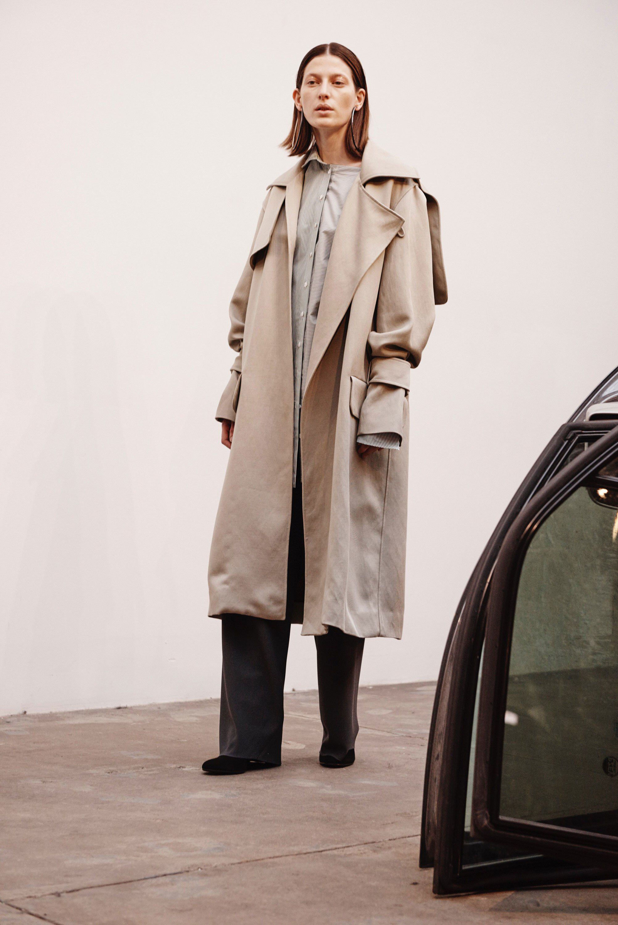 99f14242dc Christopher Esber Fall 2017 Ready-to-Wear Fashion Show Collection  See the  complete Christopher Esber Fall 2017 Ready-to-Wear collection. Look 1