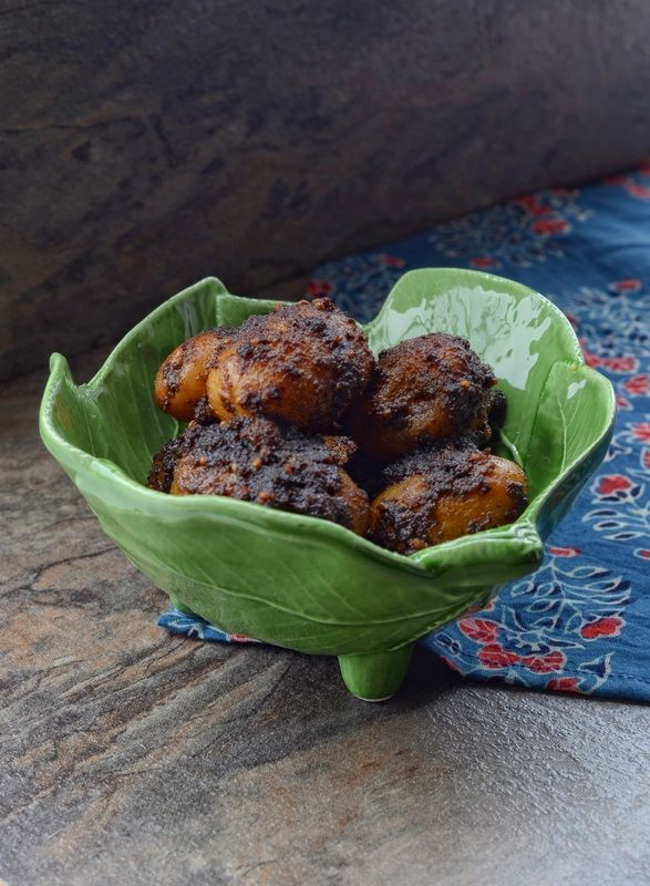 Kala Aloor Dum aka Spicy Black Baby potatoes ~ Kolkata Street Eats  Image ~ ©Nessy Samuel #NessySamuelPhotography #FoodPhotography #FoodStyling #Photographer