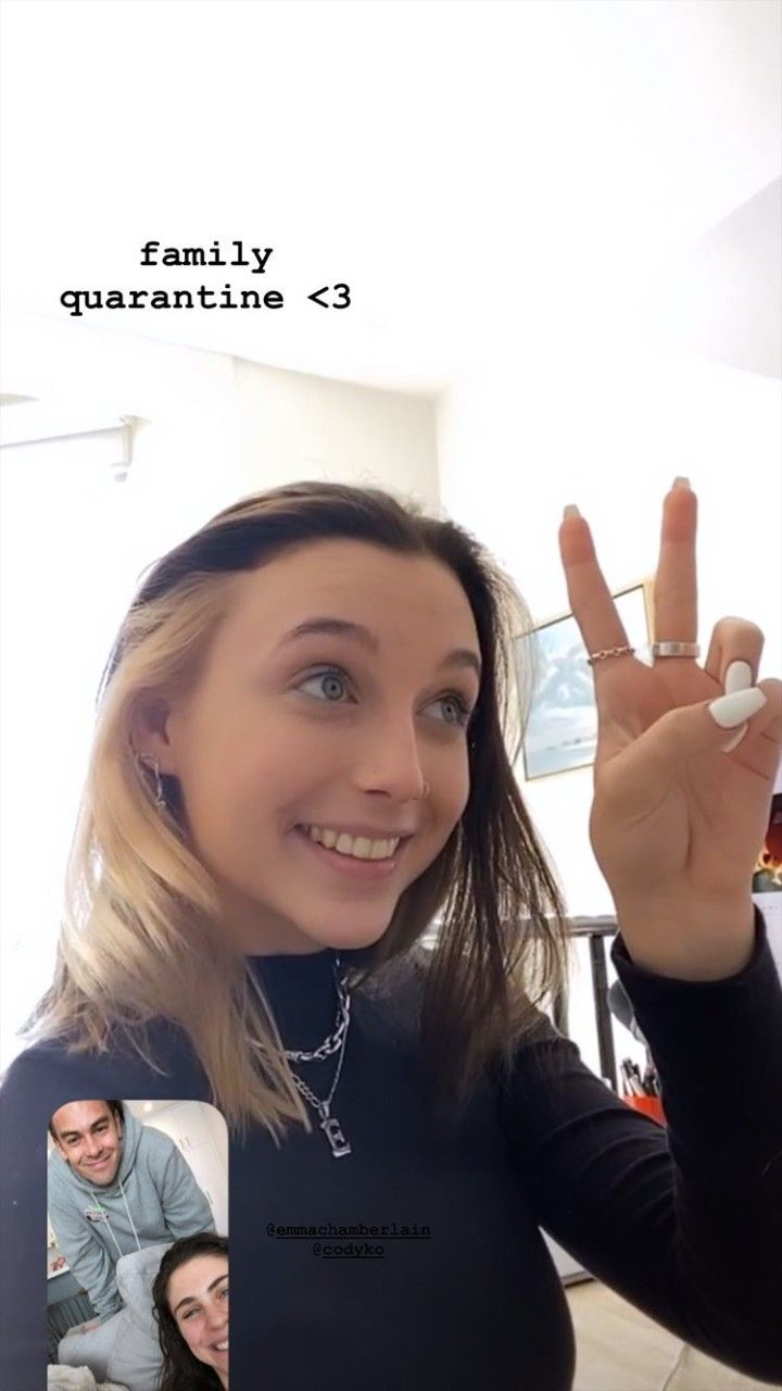 Pin By Mad 3 On Emma Chamberlain In 2020 Blonde Underneath Hair Inspo Color Under Hair Dye