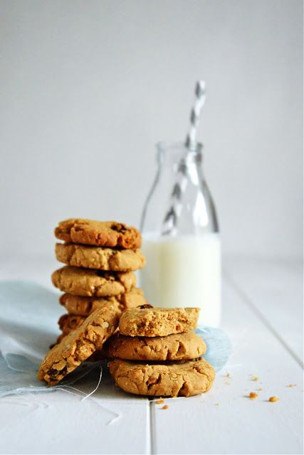 Peanut Butter & Raisin Cookies