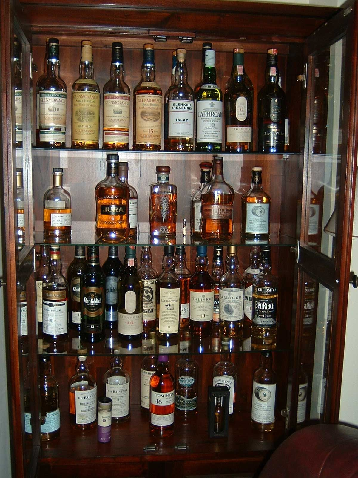 Fresh Liquor Shelves for Bar