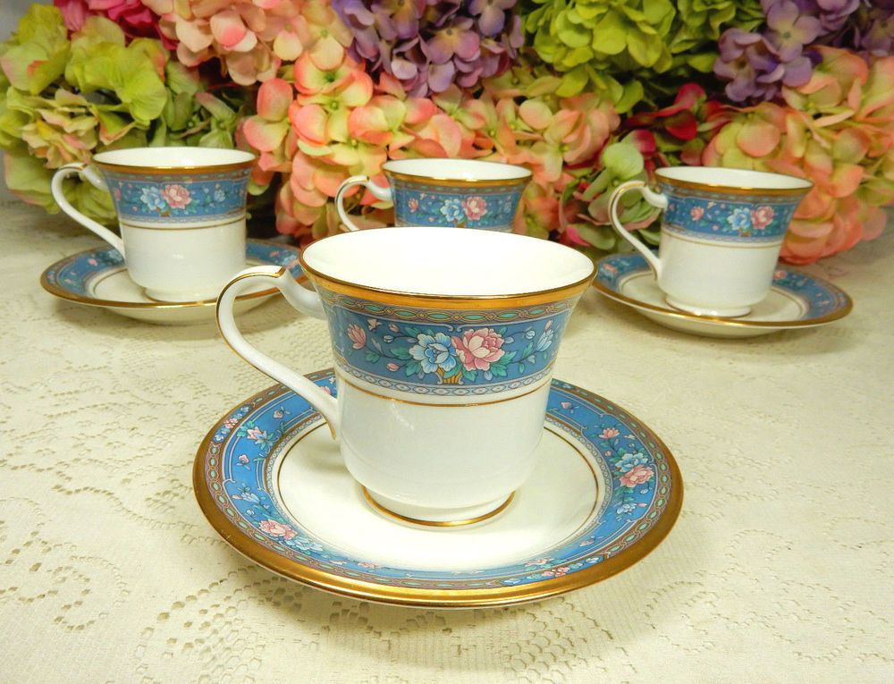 Details about Noritake 16034 Christmas Ball 4 Cups  Saucers Gold