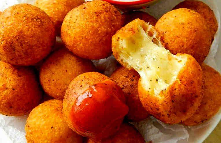 Riquísimas #bolitas de #queso. Receta fácil. En menos de 1 hora está listo. es muy rápido y queda bien para una visita inesperada o la cena familiar.