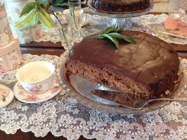 Ζουζουνομαγειρέματα: Μηλόπιτα σοκολατένια, με καρύδια, μέλι και ταχίνι!