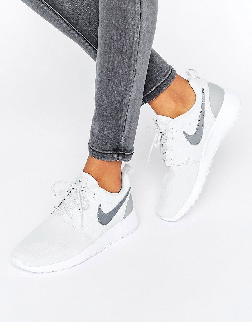 buy popular 0e01e 4c993 Everyone can agree that a pair of white sneakers are a must have.