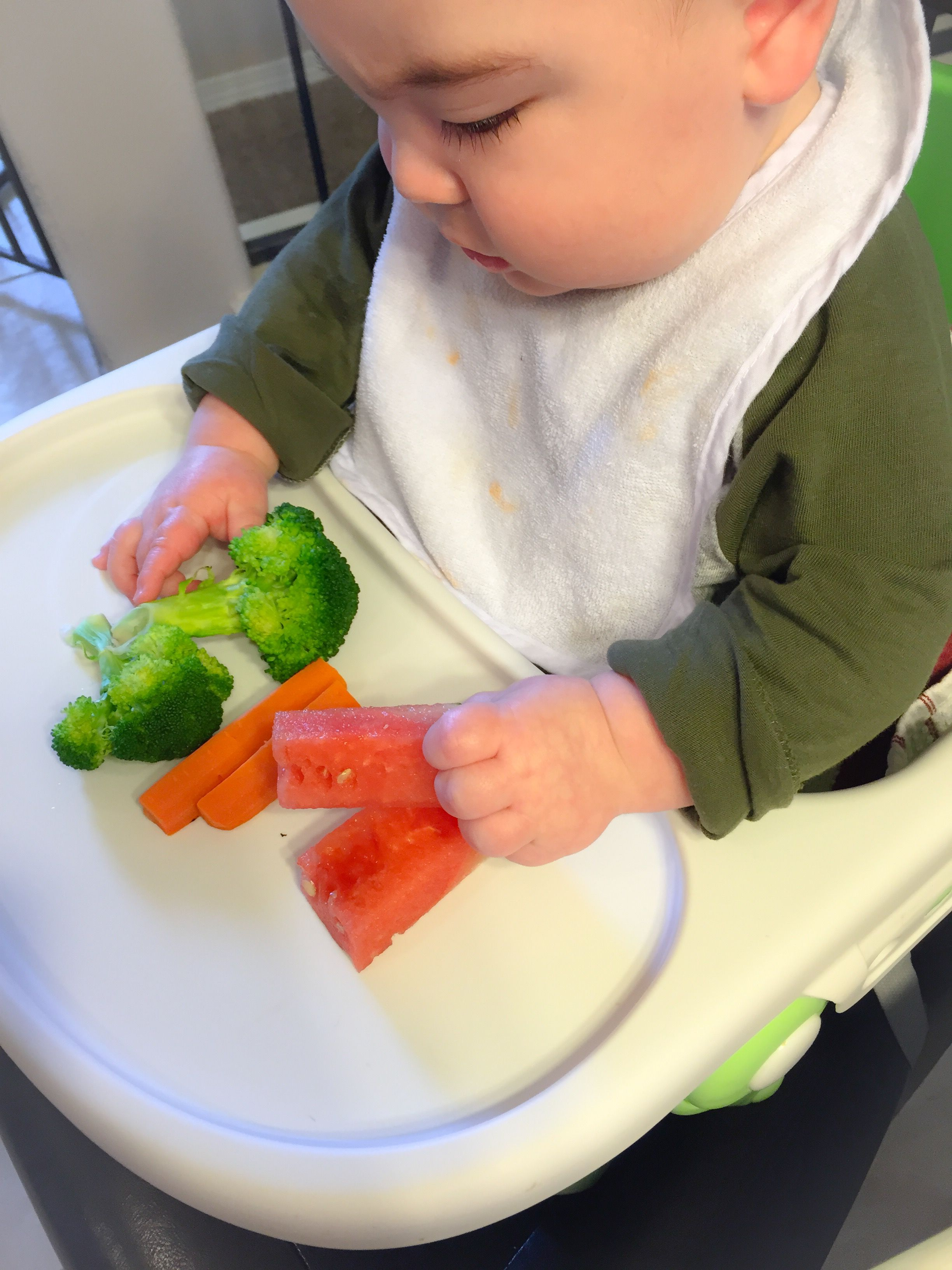 Baby led weaning food ideas for 6 month olds! Baby led