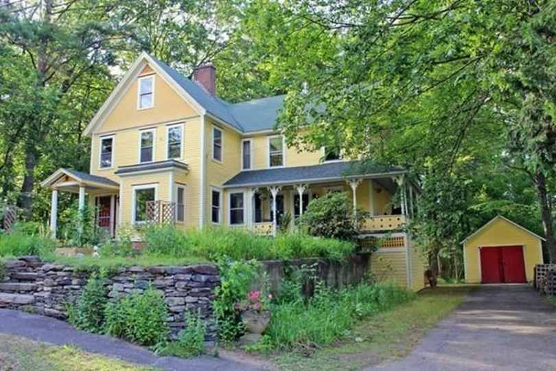 Impressive Turn Of The Century Victorian With An Arts And Crafts Flare And A Touch Of Quaint Farmhouse Mixed In Beautiful Natural W Homes England Old House Dreams Old Houses