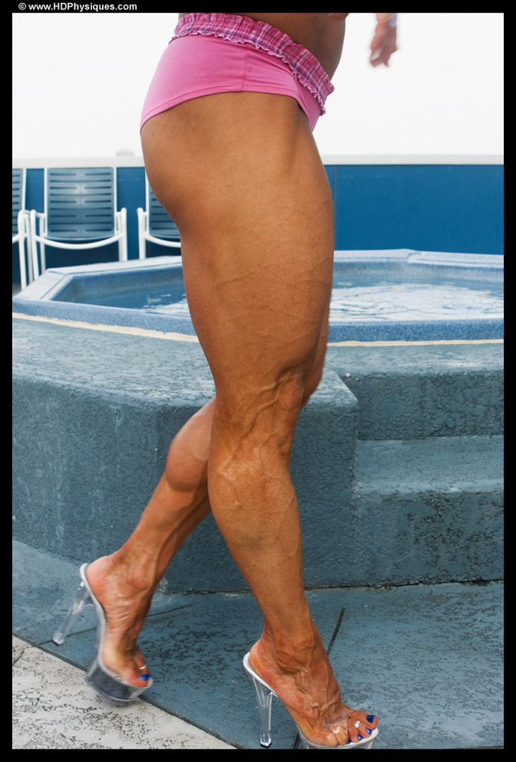 IFBB Pro Female Bodybuilder Tonia Moore posing her awesome legs for  HDPhysiques!