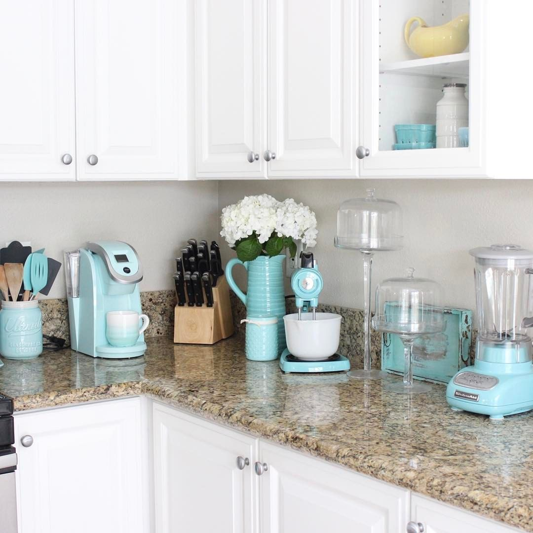 612 Likes 18 Comments B R E E Z Y Breezydesigns On Instagram Happy Tuesday Aqua All Day Ever Turquoise Kitchen Decor Aqua Kitchen Turquoise Kitchen