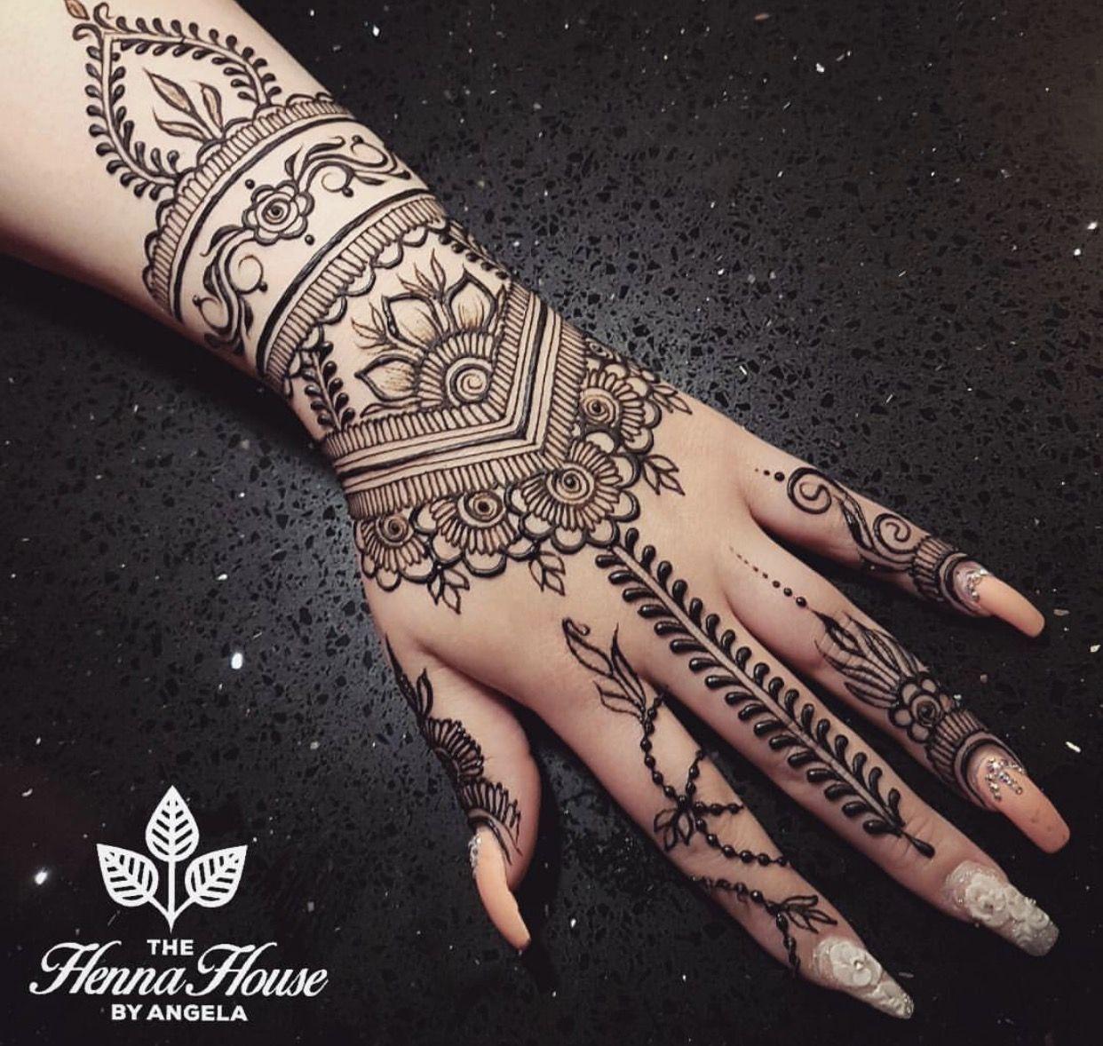 Pin By Raathey On Nail Art Henna Tattoo Hand Henna Tattoo Designs Henna Designs