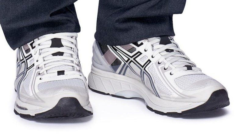 the best attitude c2333 412be Asics x Kiko Kostadinov Gel-Burz 1 Sneakers Review