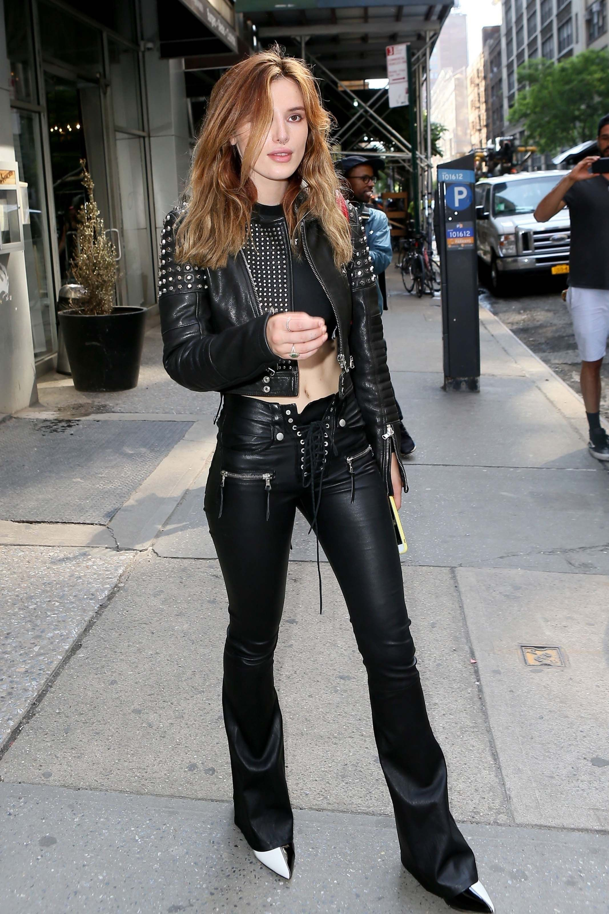 48270e5dc04c Bella Thorne out in NYC