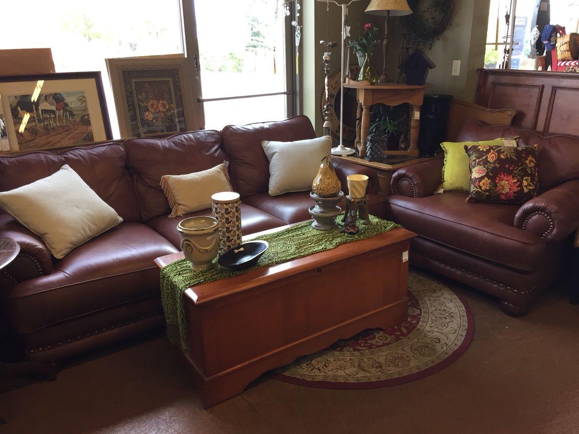 Gorgeous Eddie Bauer High Grade Leather Furniture