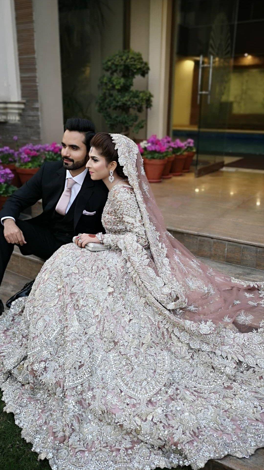 Farben Colors! Farben!  Indische hochzeitskleider, Pakistanische