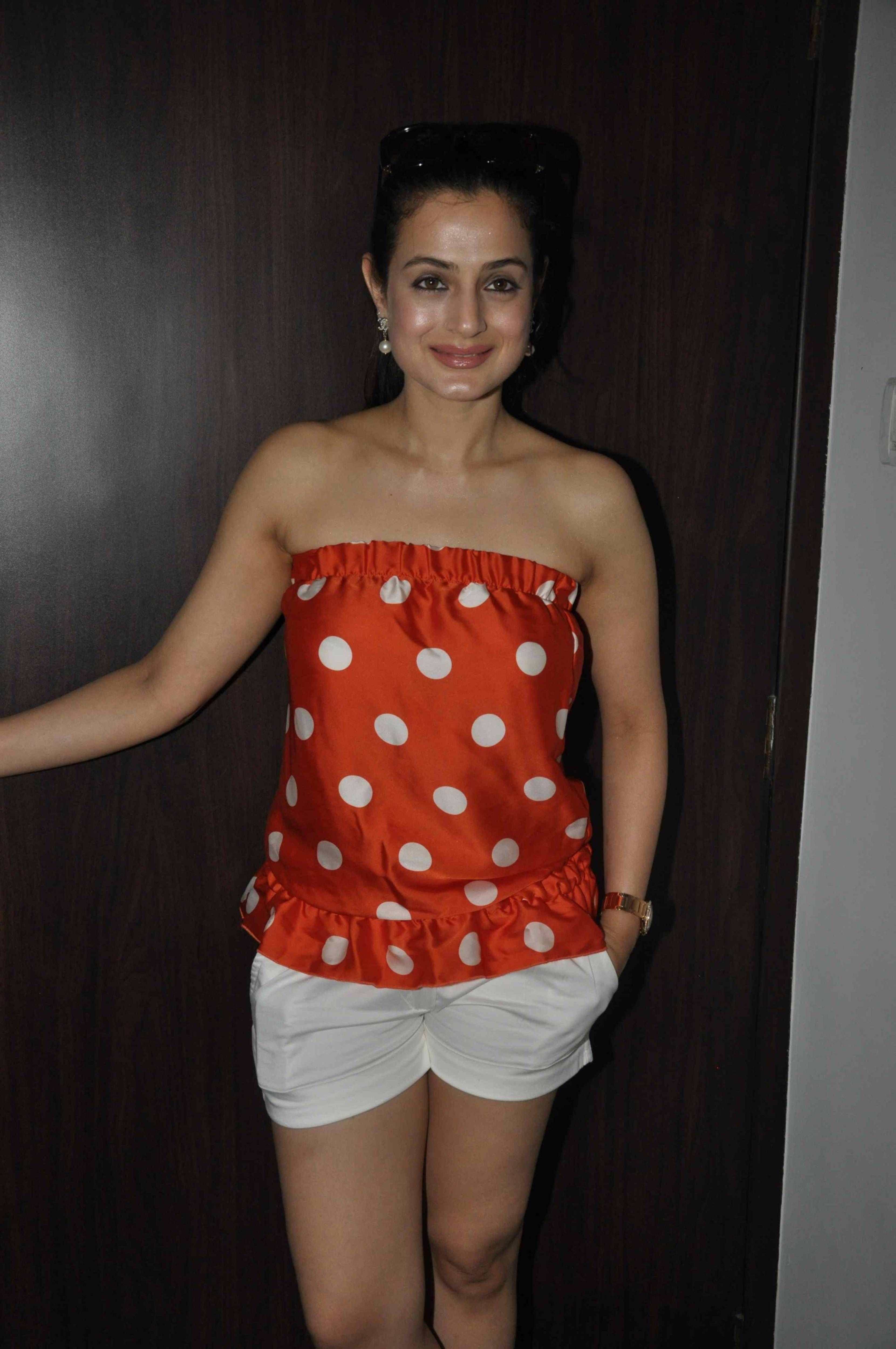 Ameesha Patel Hot Sexy Photos pin on amisha patel