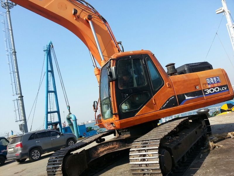 2004 Daewoo S300LC V Excavator for sale, Used