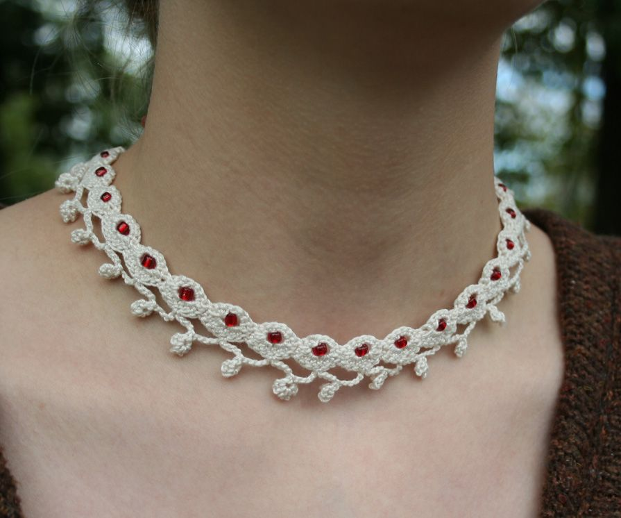 Crocheted Lace Necklaces Are In Style Right Now Design Your Own