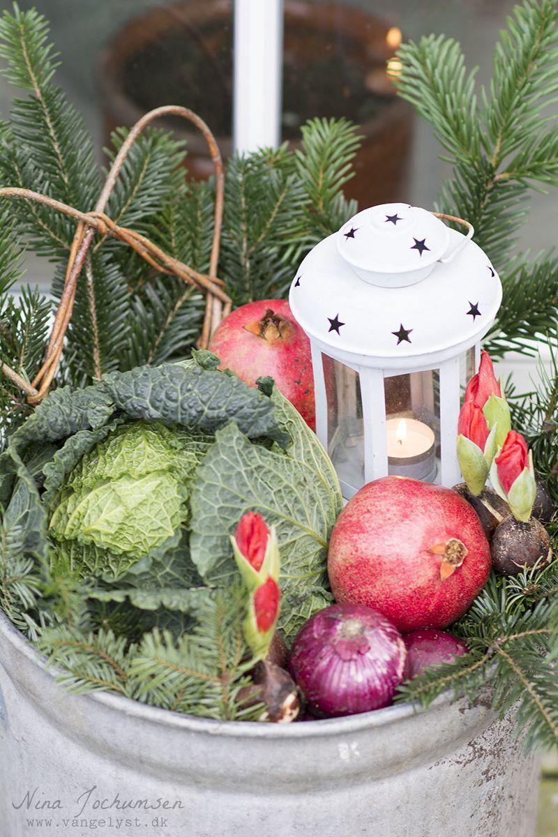 Udendørs juledekoration med lanterne - www.vangelyst.dk