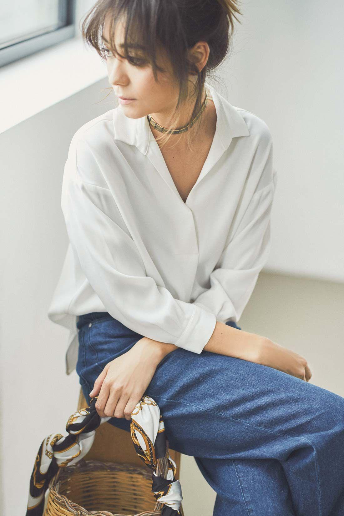 ieditレーベルコレクション とろみ素材で抜け感を演出するダブルクロスのゆるとろスキッパーブラウス ホワイト フェリシモ ファッションアイデア スキッパーブラウス 女性