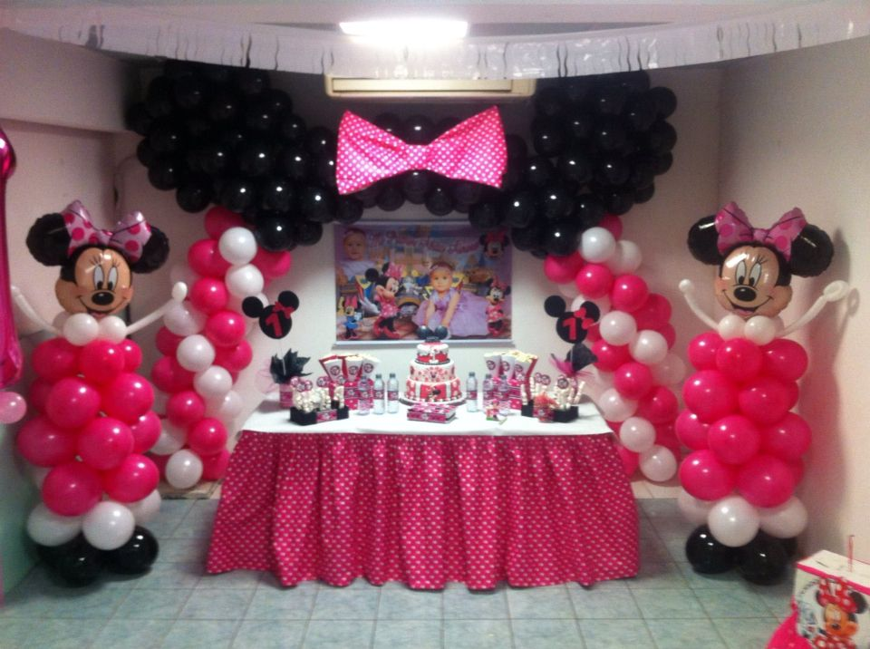 Decoración con globos minnie mouse