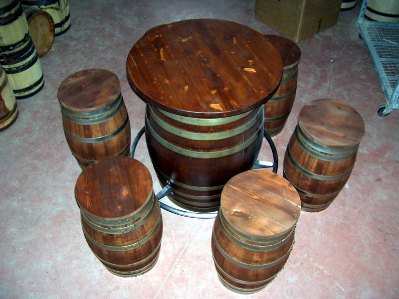Tavolo e sgabelli da botti barrels table and stools