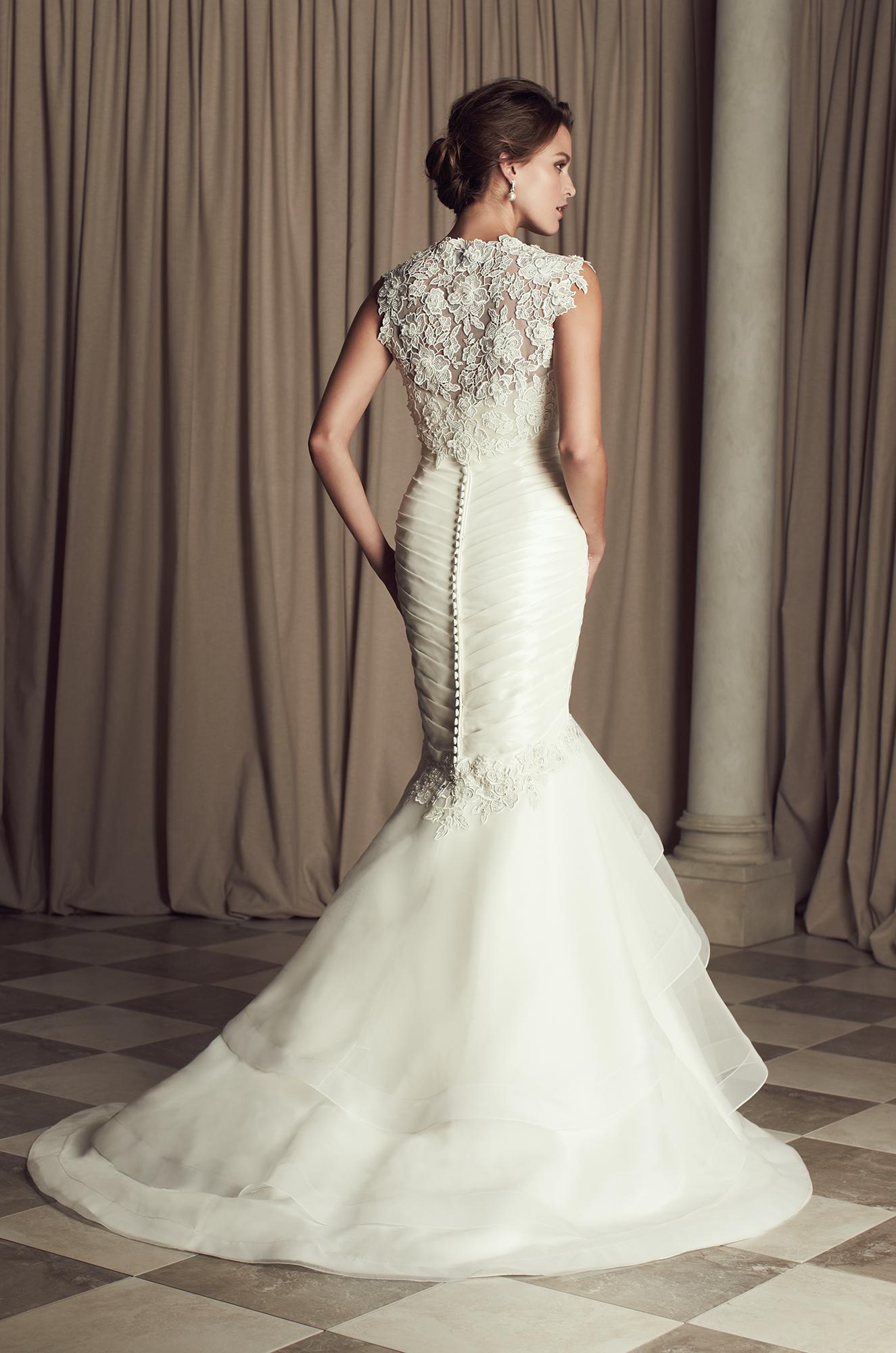 The Back View Of A Stunning Dress By Paloma Blanca Wedding Dresses 2017 Modwedding