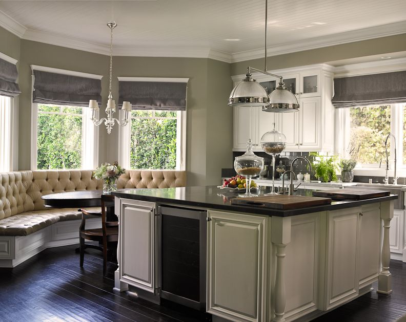 Beautiful Traditional Kitchen Get The Look With Dunn Edwards Even Growth De5494 For Your