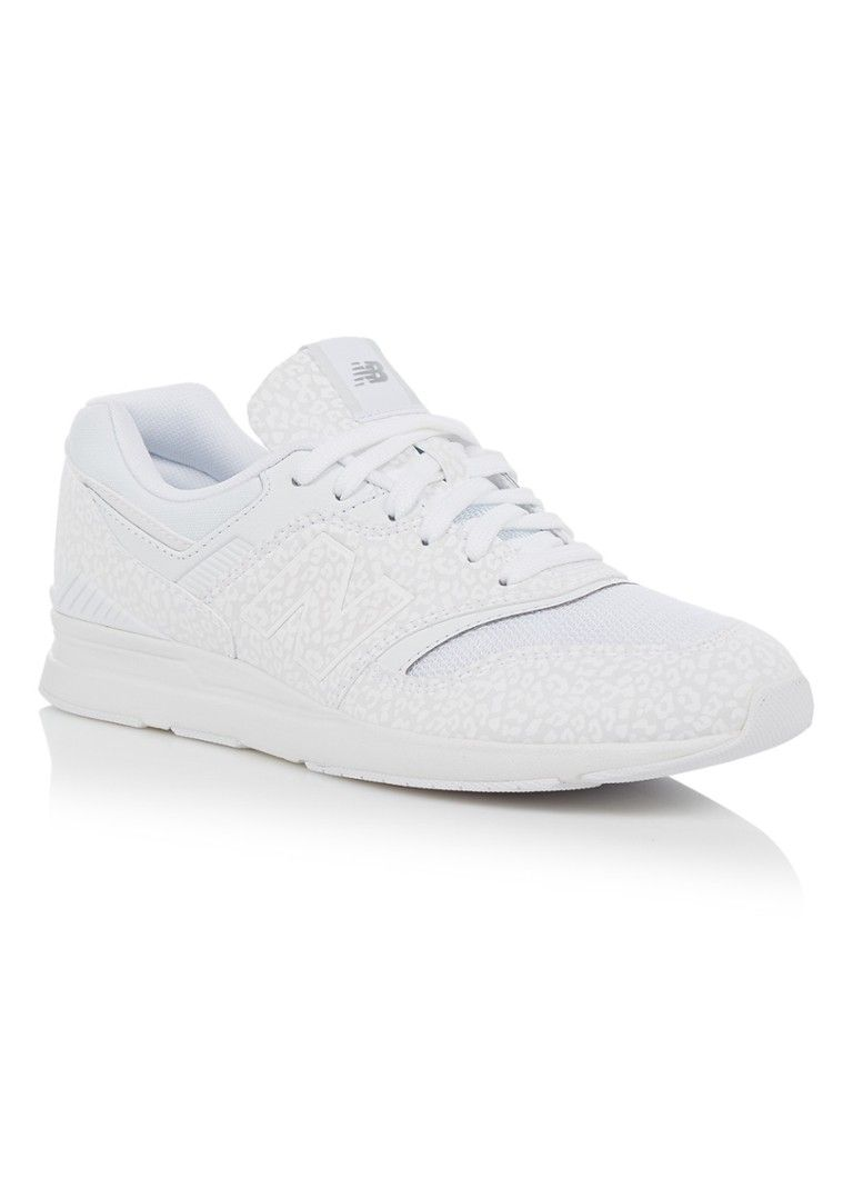 e94ba3143c1 New Balance 697 sneakers met panterdessin • de Bijenkorf | Clothes ...