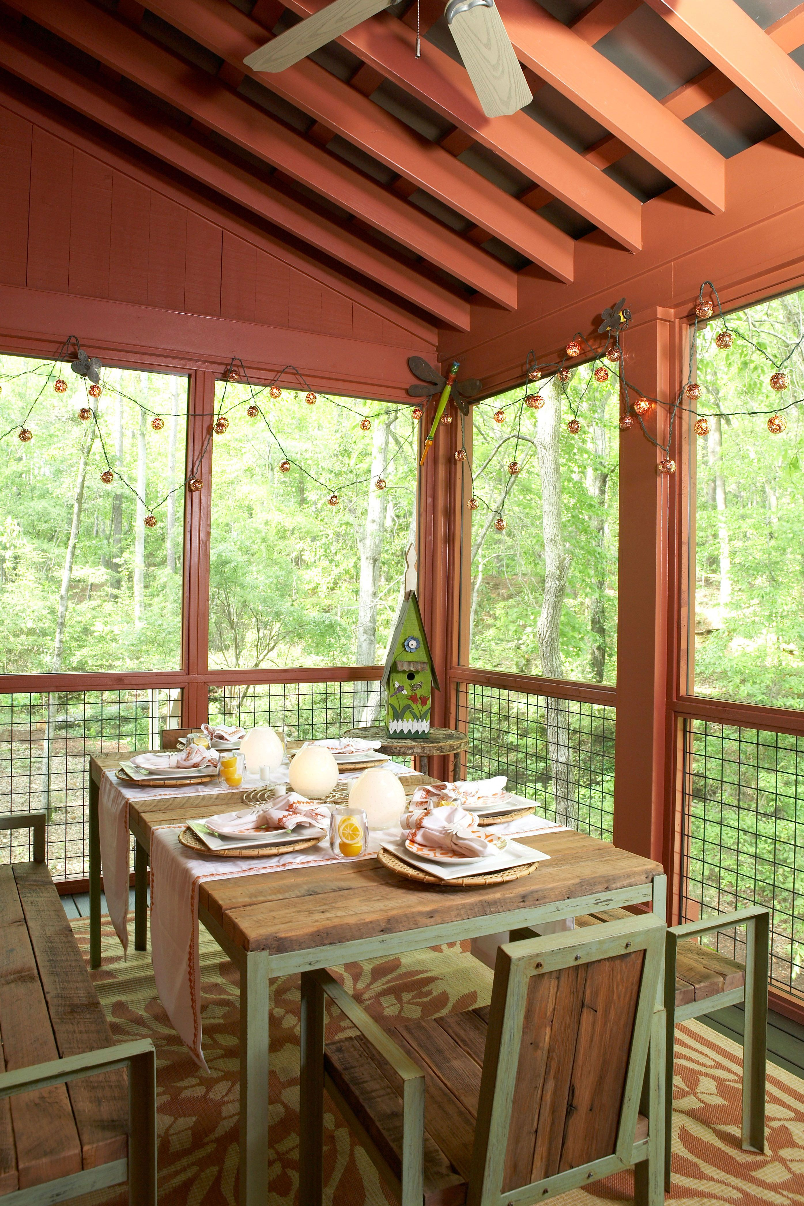 tiny porches and patios that are giving us major on porch swing ideas inspiration id=45305