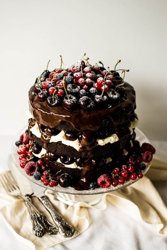 16 cake Black Forest german chocolate