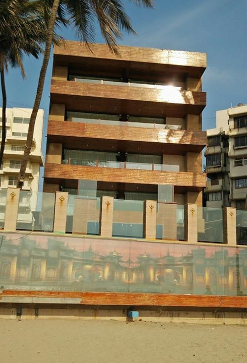 Juhu Sea Face Bungalow 4 BHK Modern Bunglow, can be easily - team 7 k che